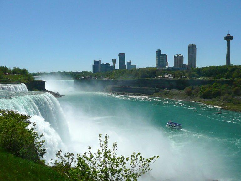 Facilitan a turistas mexicanos viajar a Canadá