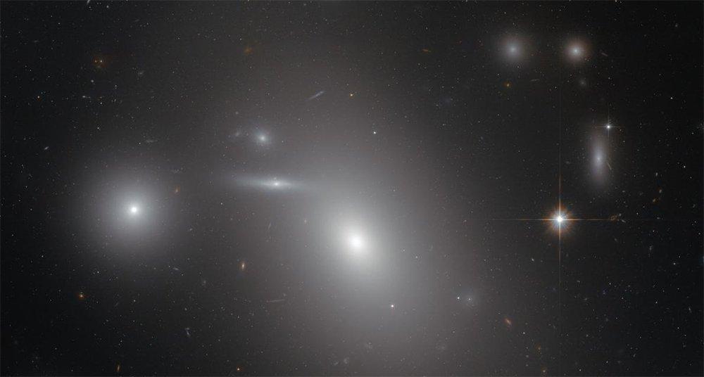 Foto revela una galaxia con un agujero negro supermasivo