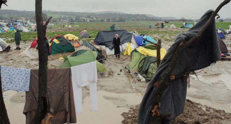 Fotos de los migrantes atrapados en la frontera
