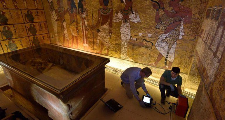 Fotos exclusivas del escaneo en la tumba de Tutankamón