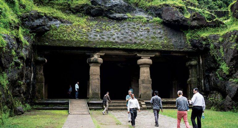 Gharapuri y las escaleras divinas
