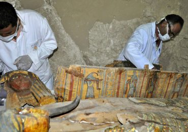 Hallan una tumba intacta en Egipto