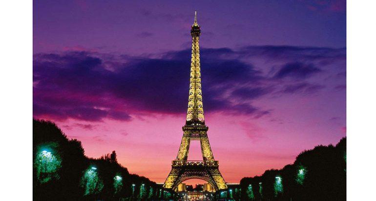 Hoy celebra la Torre Eiffel 300 millones de visitas