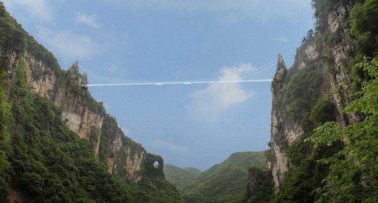 Inauguran en China puente de cristal de 385 metros