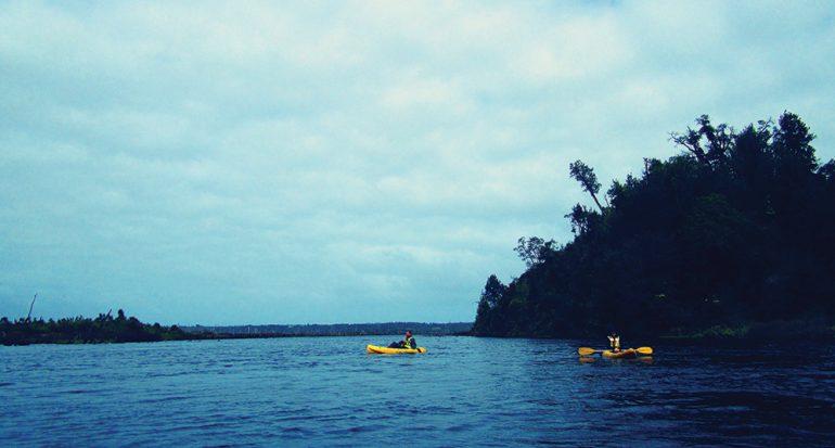 Kayak al inicio de la Patagonia