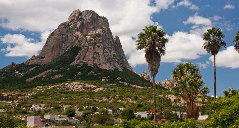 La Peña de Bernal: el tercer monolito más grande del mundo