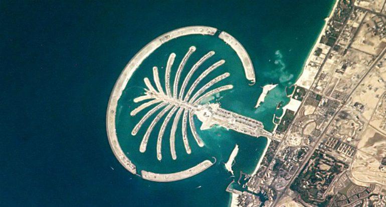 La arena de la isla artificial Palm Jumeirah