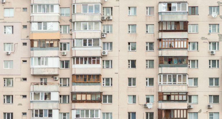 Los bloques de viviendas modernas en Berlín