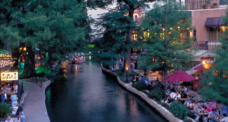 Más río en San Antonio