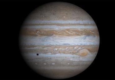 Mira a Júpiter defendiendo a la Tierra