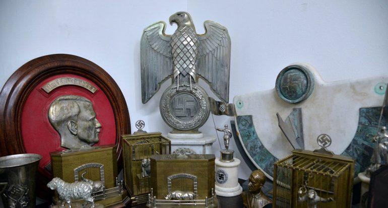 Objetos nazis aparecieron en una habitación secreta en Argentina