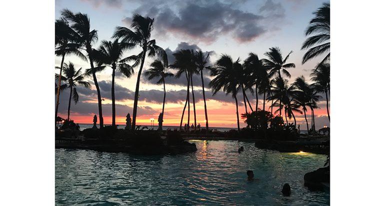 Ocaso de sol en la isla