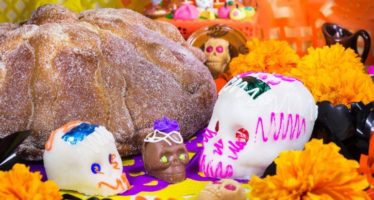 Pan por el Día de los Muertos en México