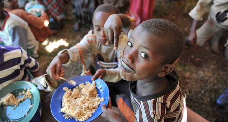 Por la alimentación africana