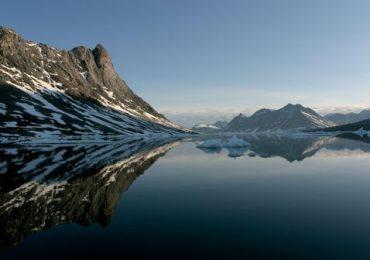 Por la costa de Groenlandia