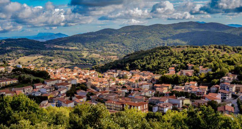 Pueblo en Italia pone a la venta casas en un euro