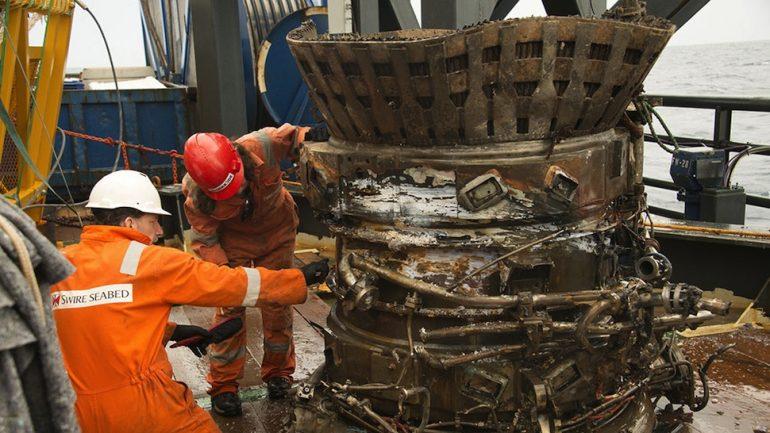 Recuperan motor de Apolo del fondo del mar