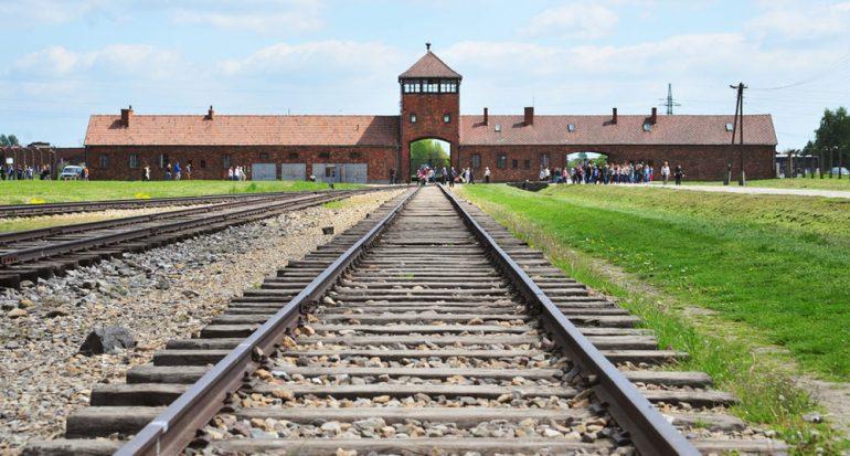 Restringen las visitas individuales a Auschwitz