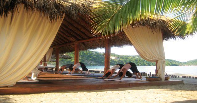 Retiro de yoga para hedonistas en Zihuatanejo