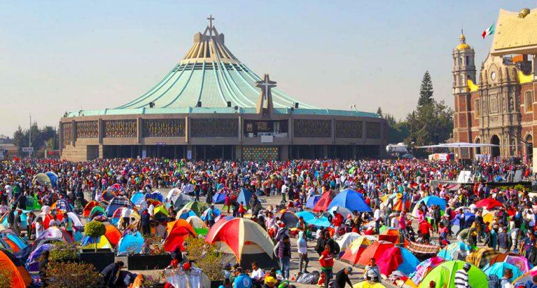 Rompen récord de peregrinos a la Basílica de Guadalupe