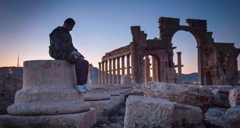 Sirios corren a rescatar tesoros de Palmira ante ISIS