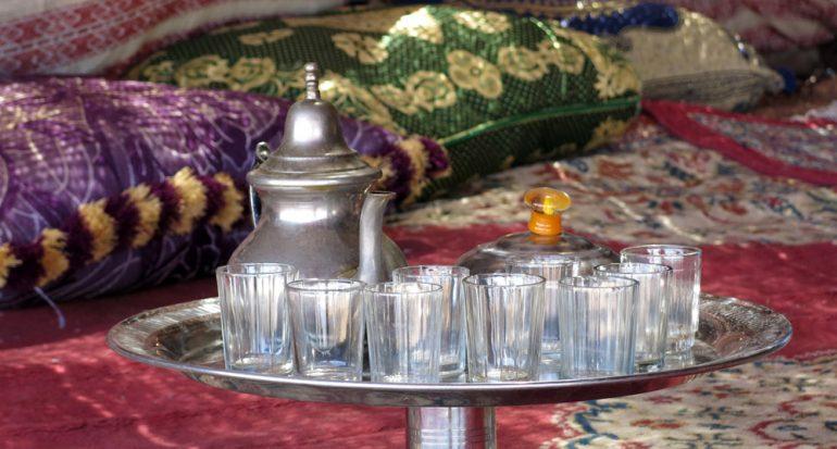 Té con los nómadas en el desierto de Marruecos