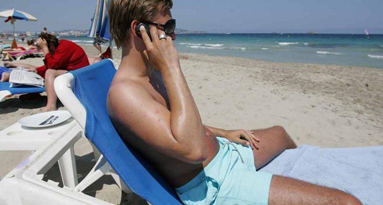 Tú y el celular de vacaciones