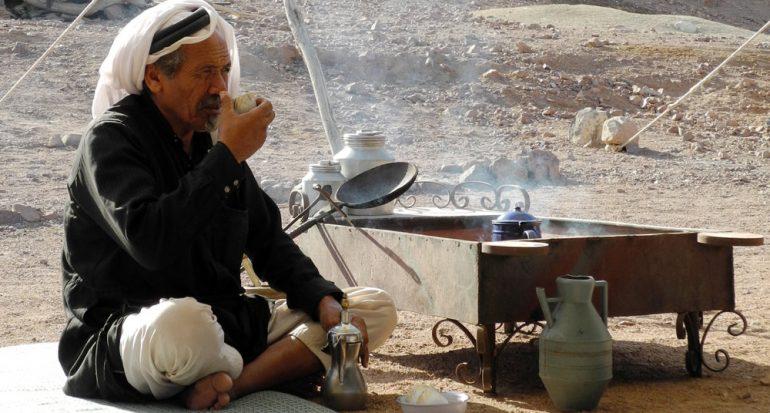 Tomando café con los beduinos de Jordania