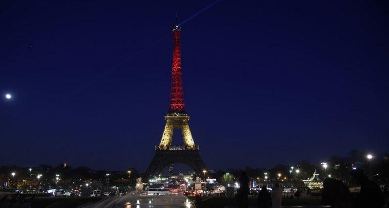 Torre Eiffel solidaria