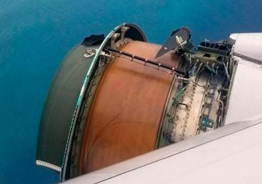 Un avión perdió parte de su motor mientras sobrevolaba el Pacífico