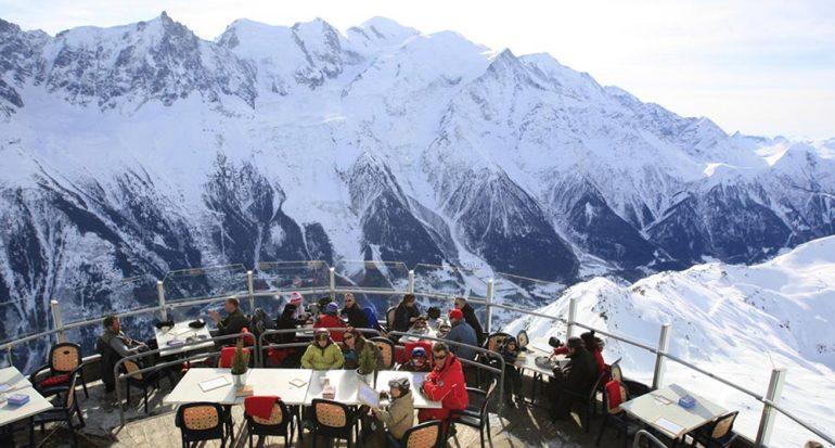 Una cafetería en la cima más alta de Europa