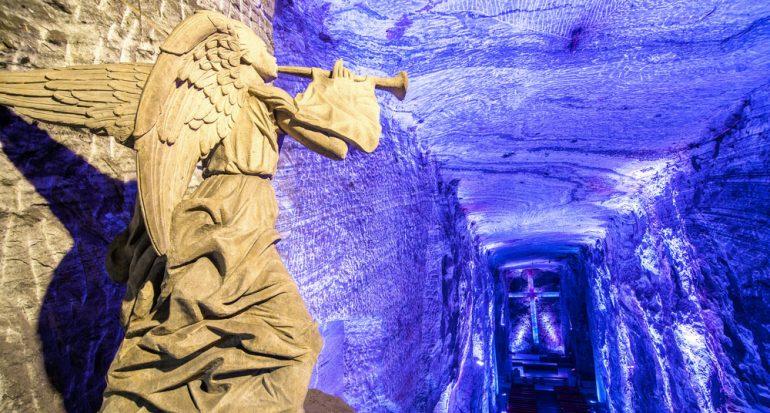 Una catedral de sal bajo tierra