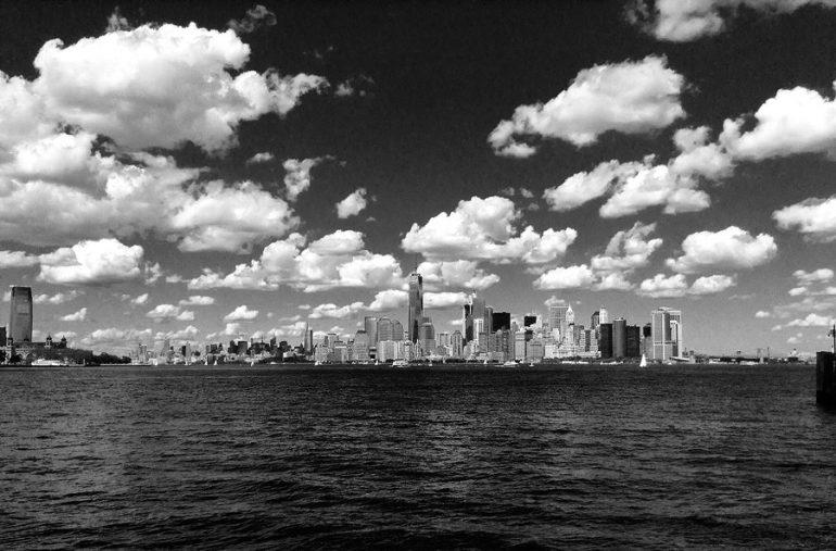 Una gran ciudad en blanco y Negro