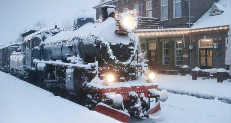 Viaje en un tren navideño