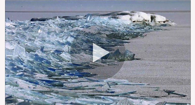 Video hipnótico muestra la acumulación de hielo en un lago