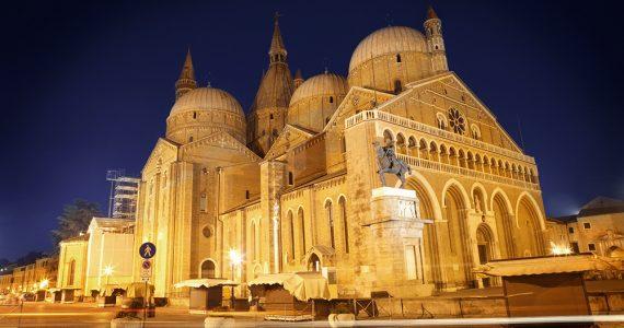 Visita la Basílica de San Antonio en Padua