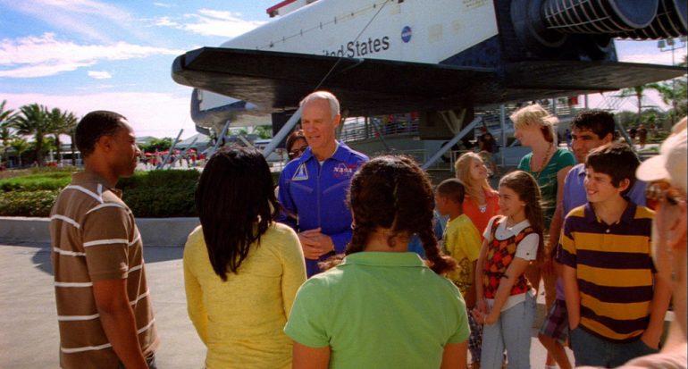 Vuela con el astronauta mexicano Rodolfo Neri Vela