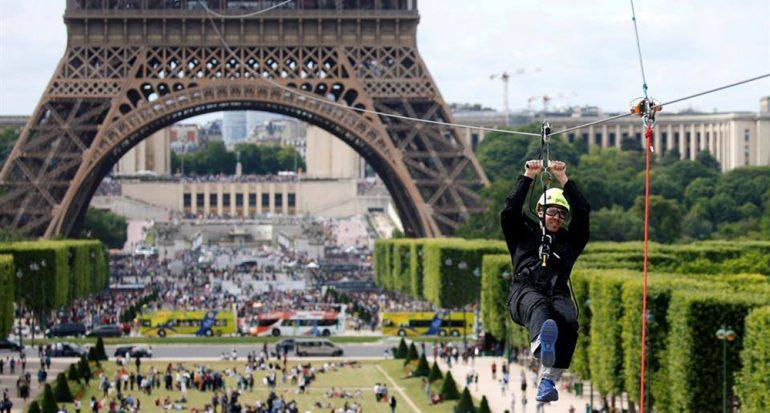 Vuela desde la Torre Eiffel