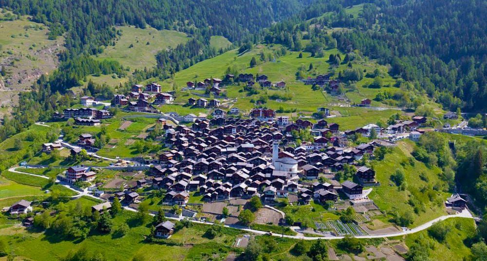 Albinen, el pueblo suizo que quiere pagar a quienes se muden ahí - National  Geographic en Español